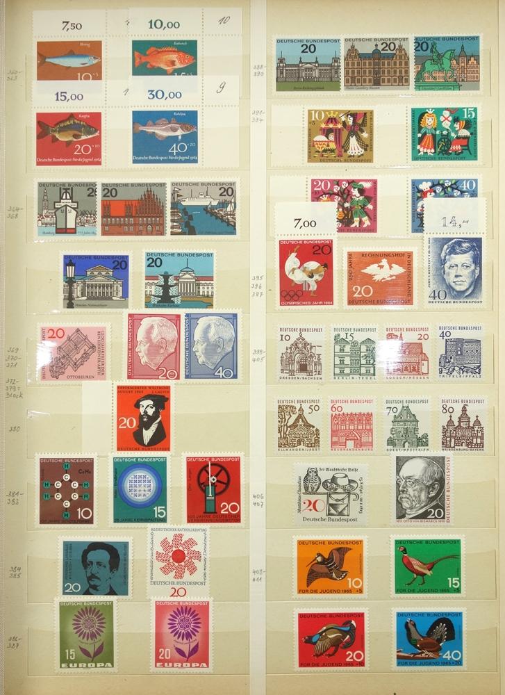 Briefmarken BRD 1949-1989, in 3 Alben, gut bestückt, jedoch fehlerhaft, besonders die ersten Jahre - Bild 3 aus 4