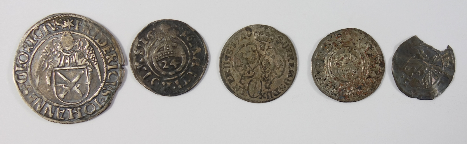 Konvolut 5 silberne Kleinmünzen, 18.Jh., u.a. Engelsgroschen (Schreckenberger) o.J., Friedrich III., - Bild 2 aus 2
