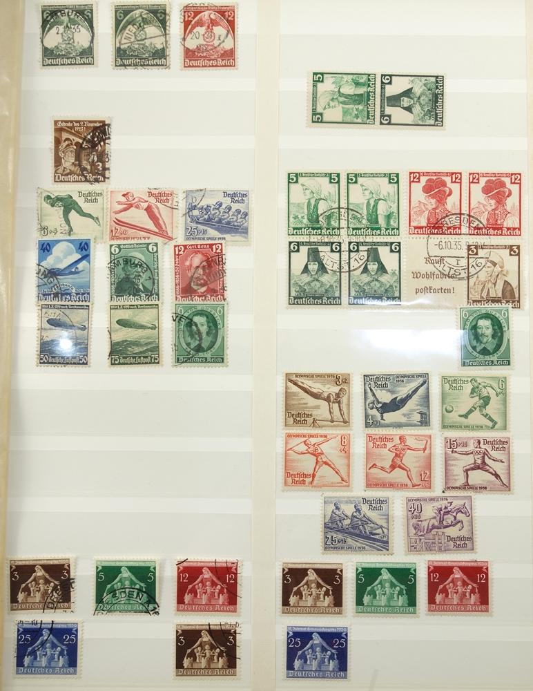 Briefmarken, III. Reich, 1933-1945, gut bestückt, jedoch fehlerhaft. gestempelt, postfrisch, mit