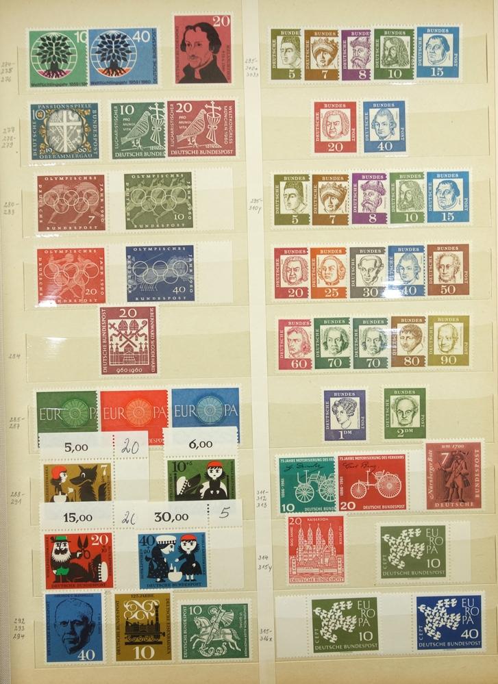 Briefmarken BRD 1949-1989, in 3 Alben, gut bestückt, jedoch fehlerhaft, besonders die ersten Jahre - Bild 2 aus 4
