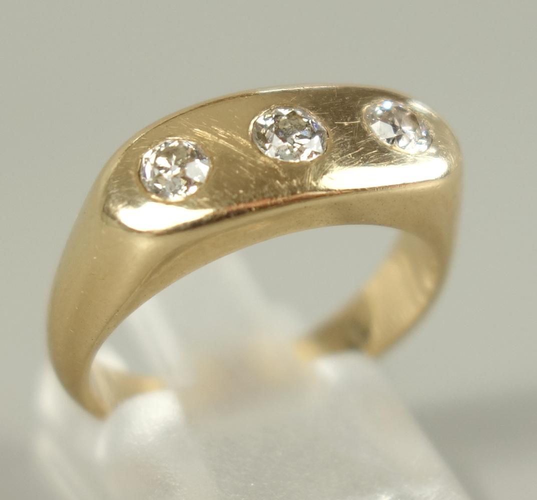 Ring mit 3 Diamant--Brillanten, 585er Gelbgold, Gew. 6,71g, total ca.0,45ct, massive Ringschiene,