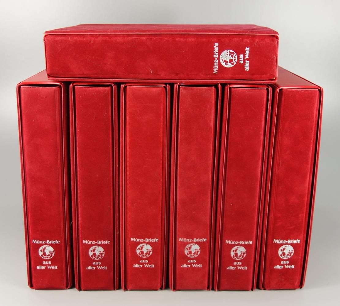 7 Ordner mit Numisbriefen aus aller Welt, ca.400 Stück, Ende 20.Jh.-Anfang 21.Jh., in originalen