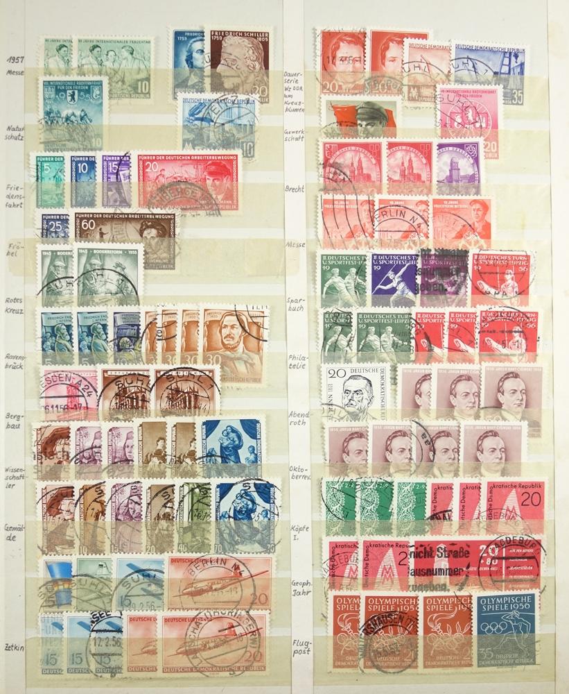 Briefmarken Besatzungzonen, Anfänge der DDR, viele Werte doppelt, gestempeltStamps occupation zones, - Bild 3 aus 3