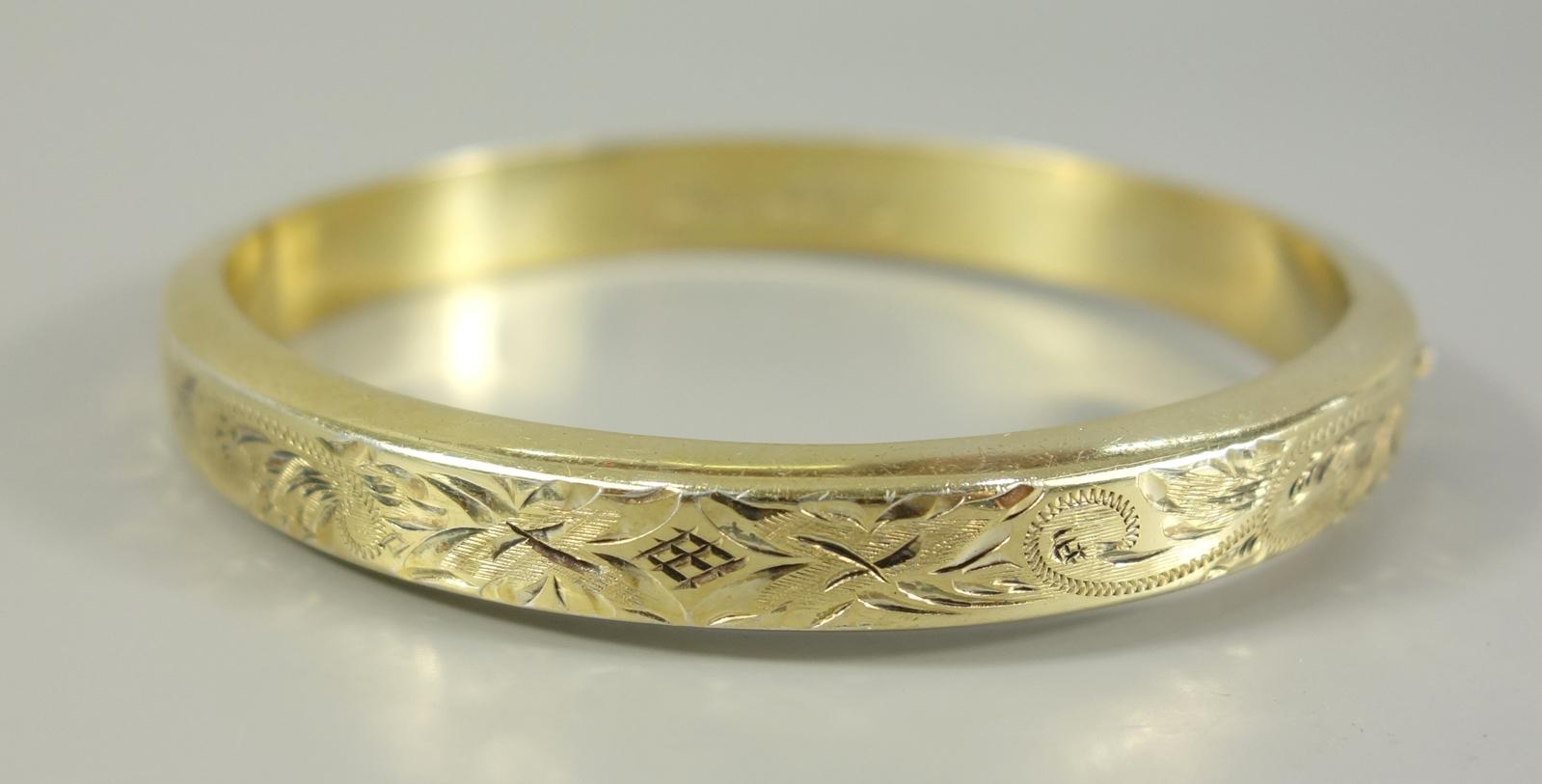 """Armreif, 835er Silber / vergoldet, Handarbeit, Gew.15,62g, ungedeutete Punze """"835 BG HANDARBEIT"""","""