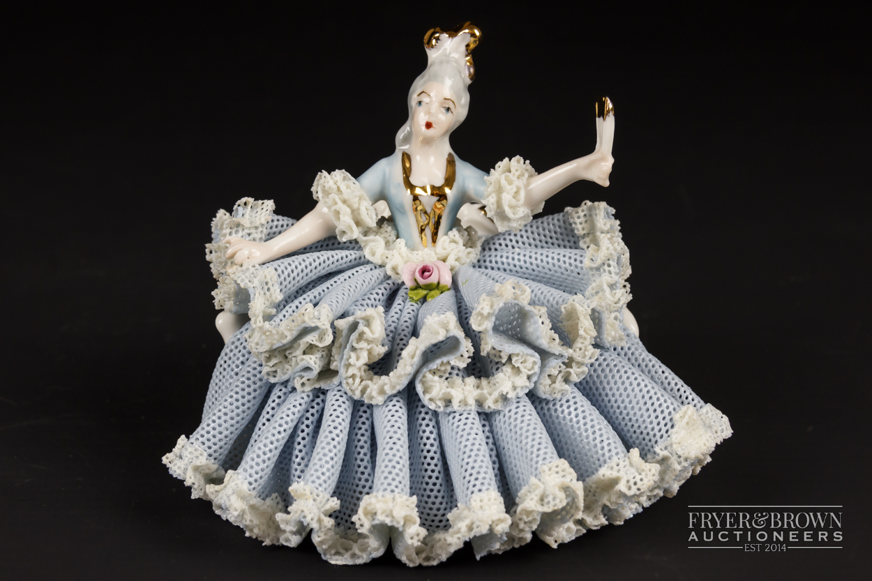 Two small Dresden porcelain lace crinoline figures in Marie Antoinette style; and another, 10.5cm - Image 2 of 9
