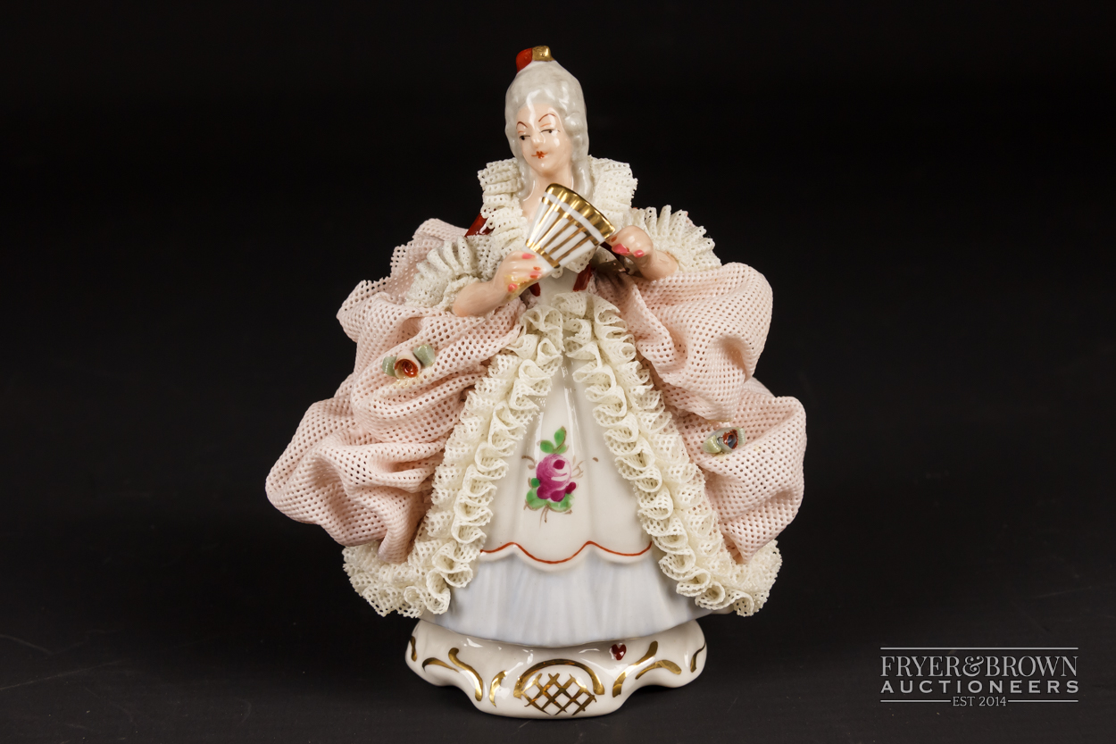 Two small Dresden porcelain lace crinoline figures in Marie Antoinette style; and another, 10.5cm - Image 4 of 9