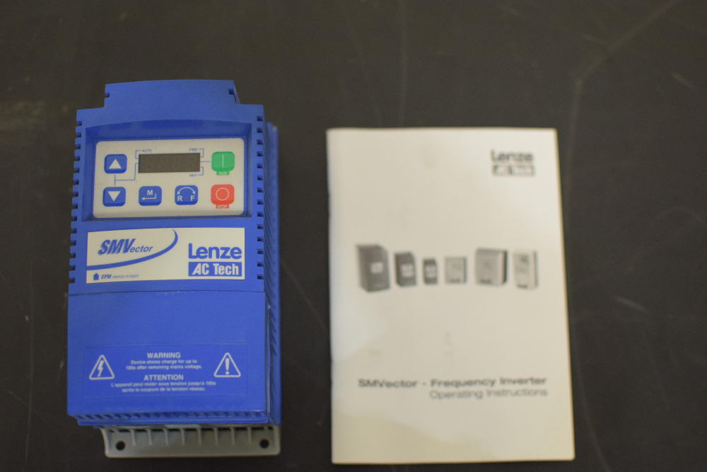 Lot 24 - Lenze AC Tech SMVector