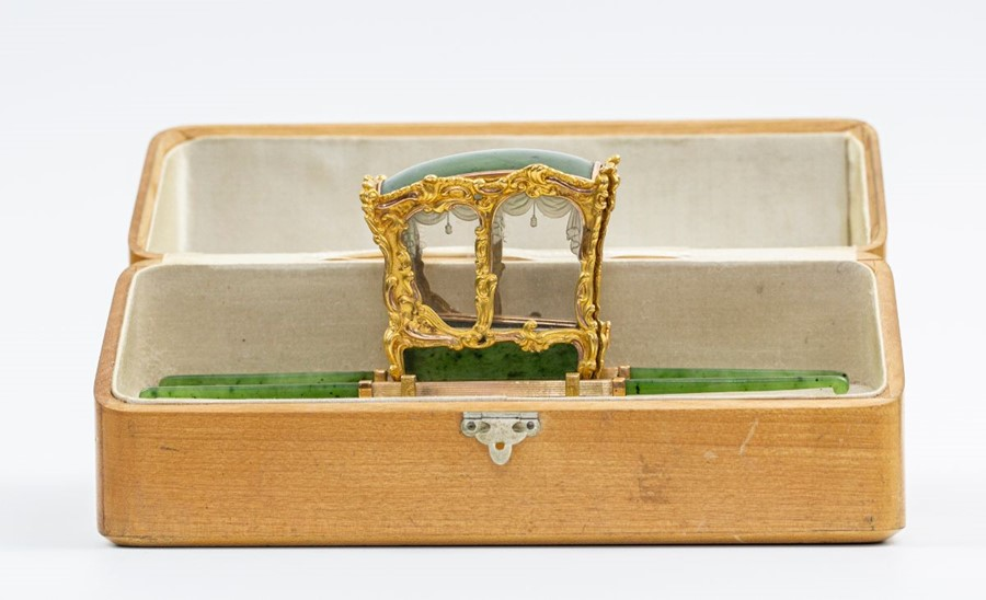 Please note:- Fabergé nephrite, rock crystal, mother-of-pearl and vari-colour gold miniature - Image 69 of 74