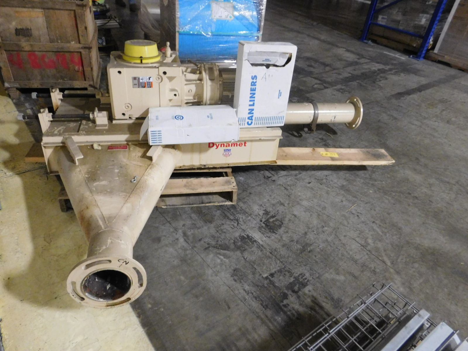 Lot 39 - Dynamet /Buddybox Gear Motor LVYMS10-3D165YA, Valve and Chain Drive -Comes with a SM-bevel