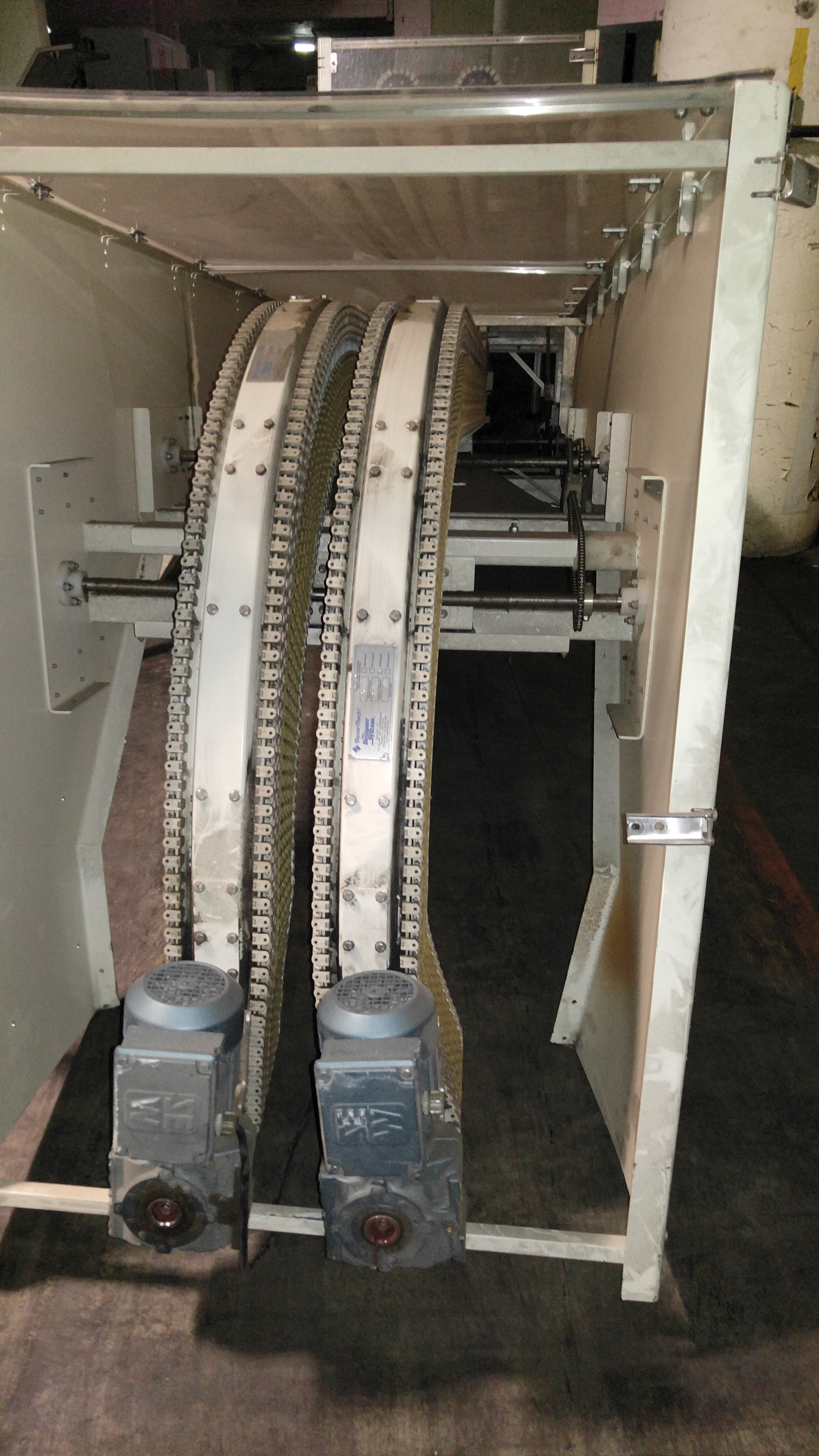 Lot 54 - MOHLER Lowerator with Spantech 9017800 conveyors, .5hp , 3Ph :equipment located at Clark Logistic