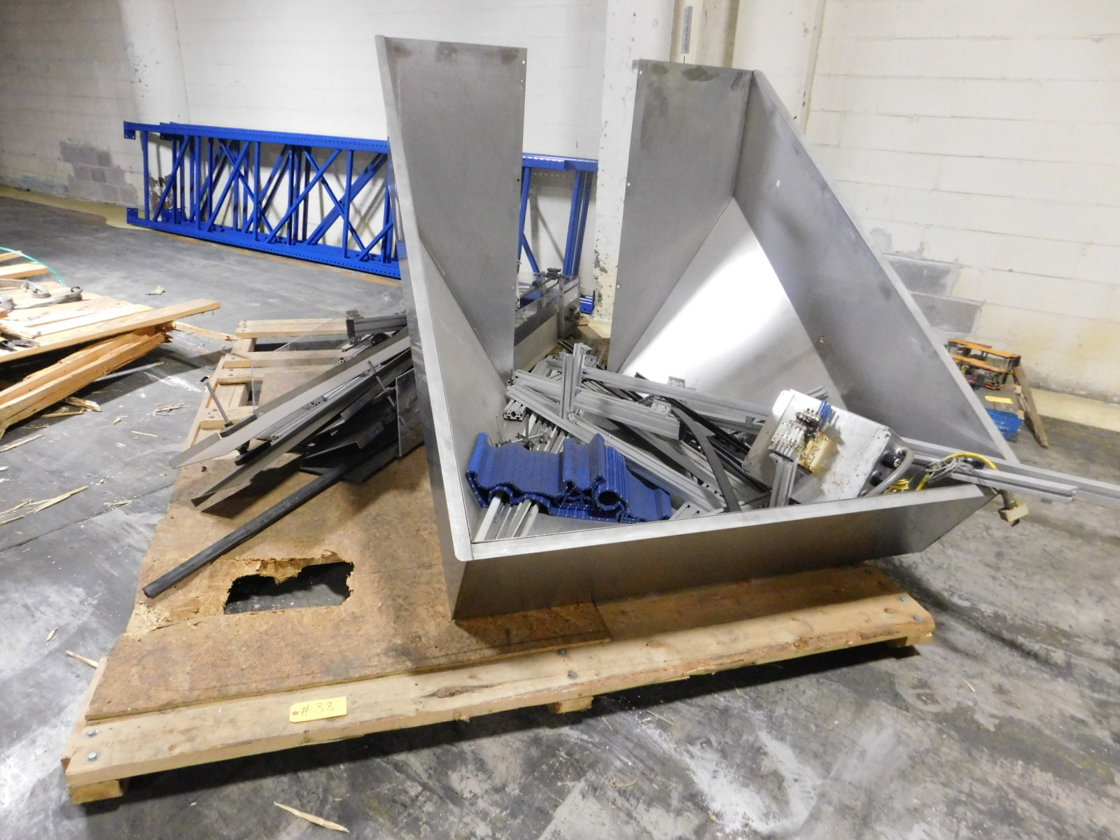 Lot 38 - Lot Hopper Stainless Steel & Misc Aluminum