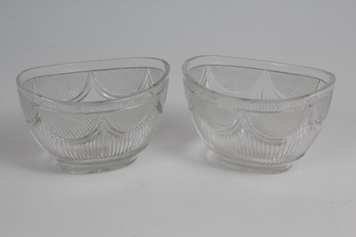 Lot 16 - Pair good quality George IV cut glass oval cream / preserve dishes with fine diamond cut decoration