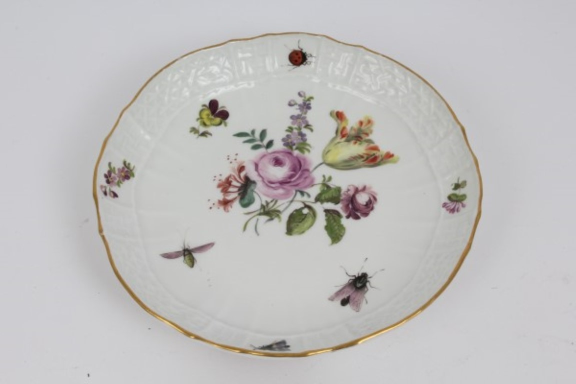 Lot 44 - 19th century Meissen porcelain saucer with moulded basket-weave border,