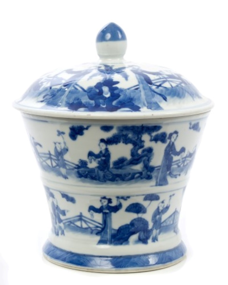 Lot 32 - Early 20th century Chinese export blue and white tapered pot and cover with extensive painted