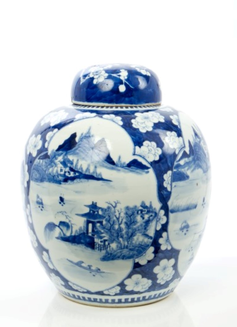 Lot 31 - Early 20th century Chinese export blue and white, baluster shaped ginger jar and cover with