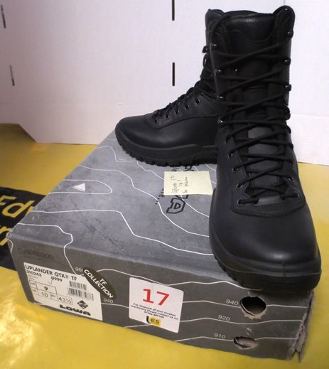 c2ddc2e8914 Lowa Uplander GTX TF boot, black, size 9. Location: Unit 8, Cockles ...