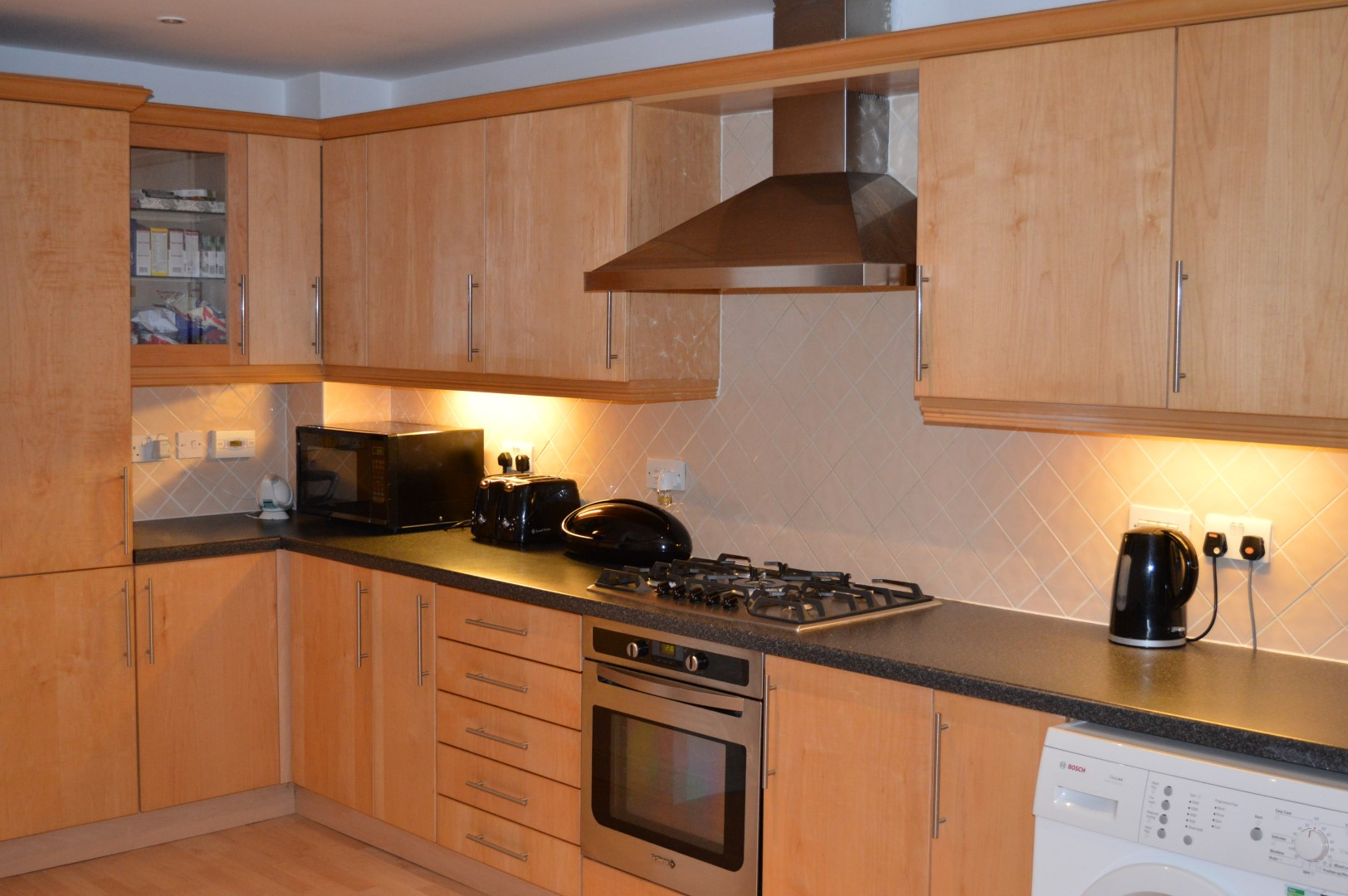 1 x manor cabinet company fitted kitchen contemporary for Fitted kitchen companies
