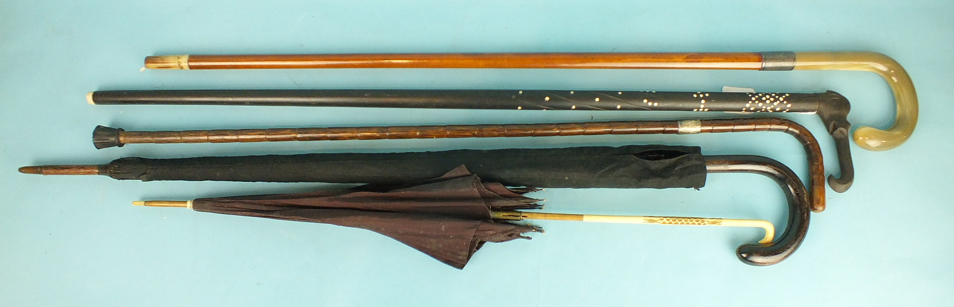 Lot 157 - A good quality Malacca walking cane with horn handle and ferrule, the silver mount engraved