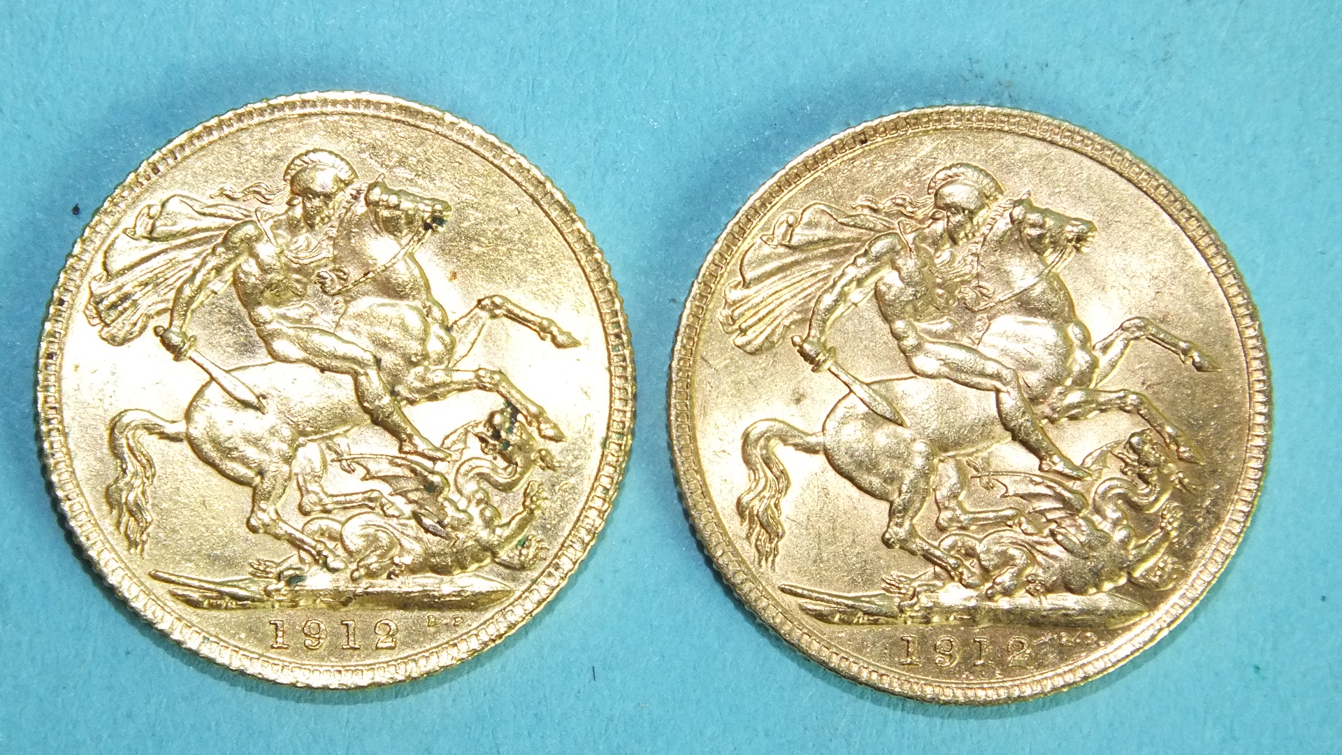 Lot 374 - Two George V 1912 sovereigns, (2).