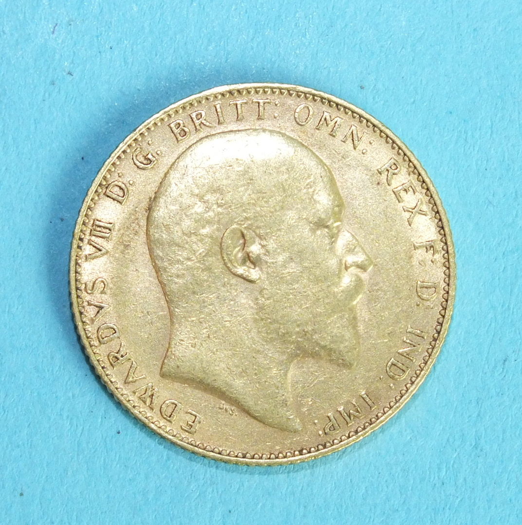 An Edward VII 1907 sovereign. - Image 2 of 2