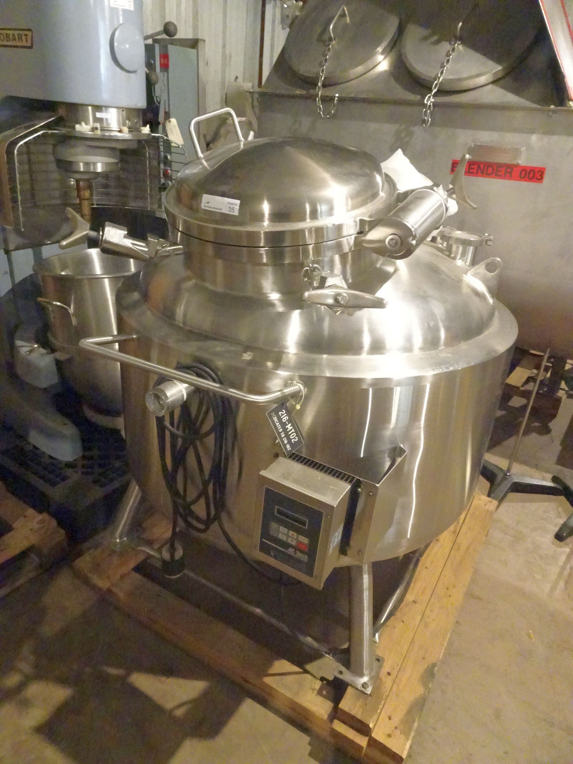 T&C 316L Stainless 350 Liter Jacketed Tank With Bottom Agitation. - Image 5 of 10
