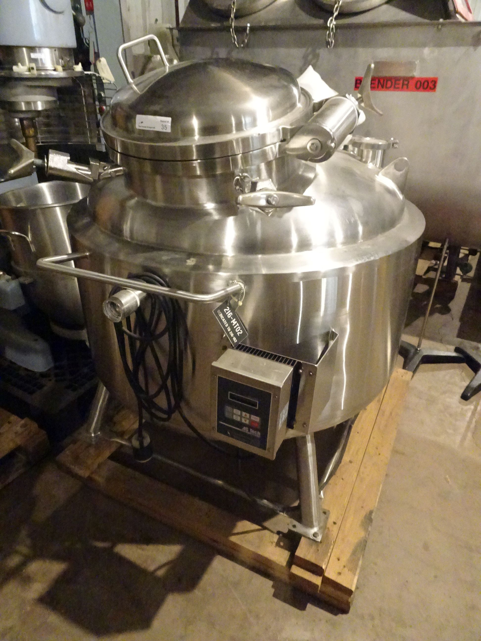 T&C 316L Stainless 350 Liter Jacketed Tank With Bottom Agitation. - Image 4 of 10