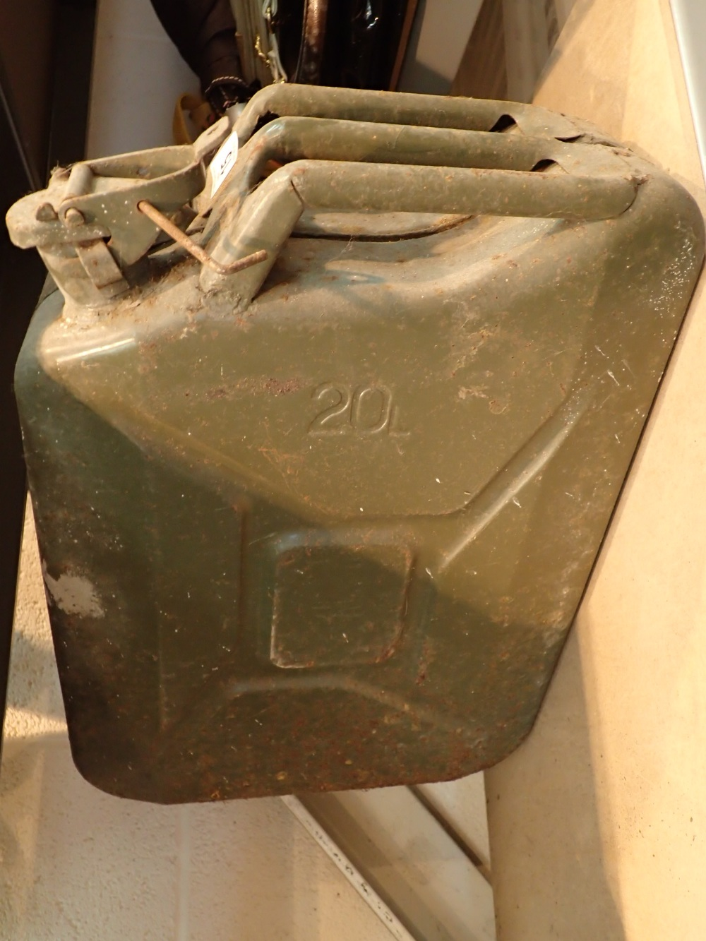 Lot 15 - 20L jerry can