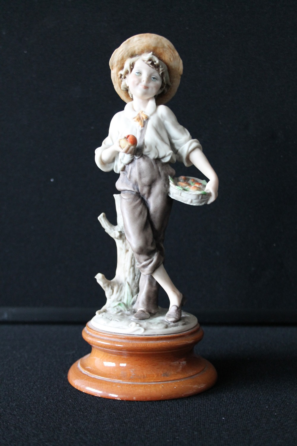 Giuseppe Armani A Pair Of Italian Figurines By Guiseppe