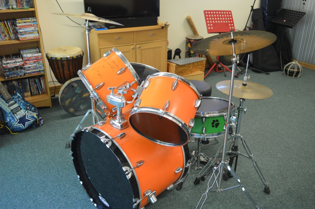 Ed Sheeran's teenage drum kit – own a piece of memorabilia which Ed will sign to the winning bidder - Image 2 of 2