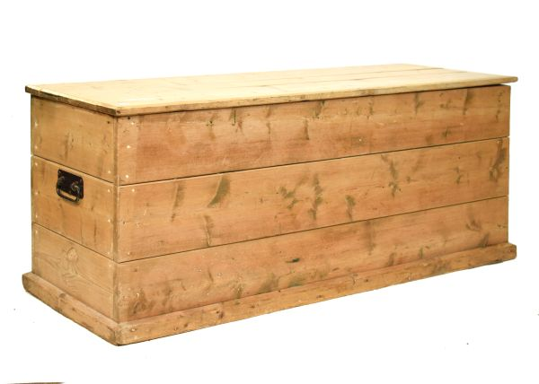 Lot 24 - Stripped pine trunk of plank design with carry handles Condition: