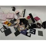 Bag containing quantity of costume/dress jewellery