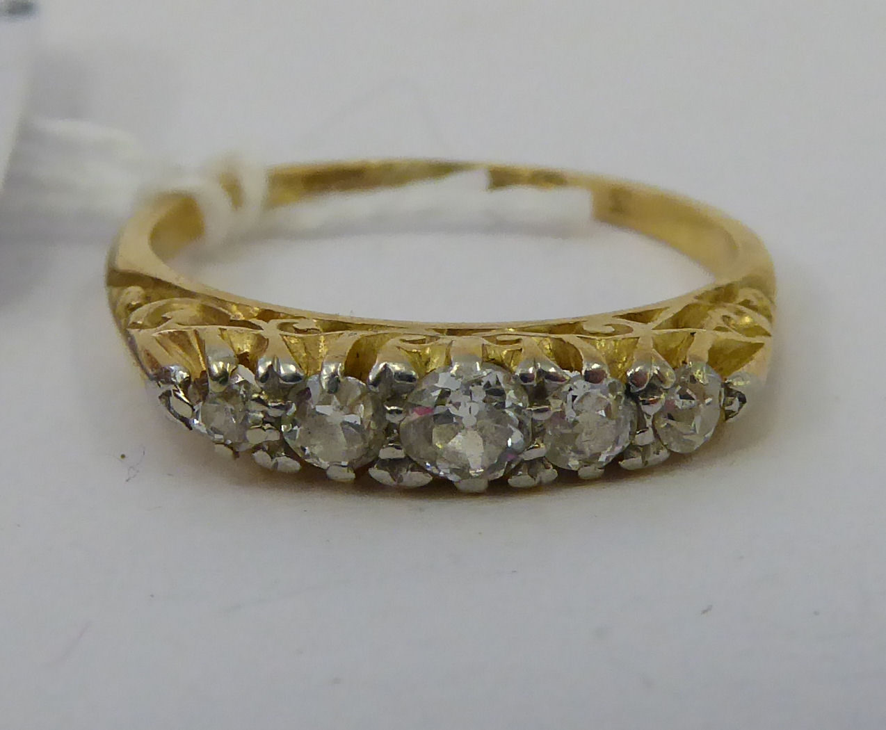 Lot 47 - A late Victorian 18ct gold ring,