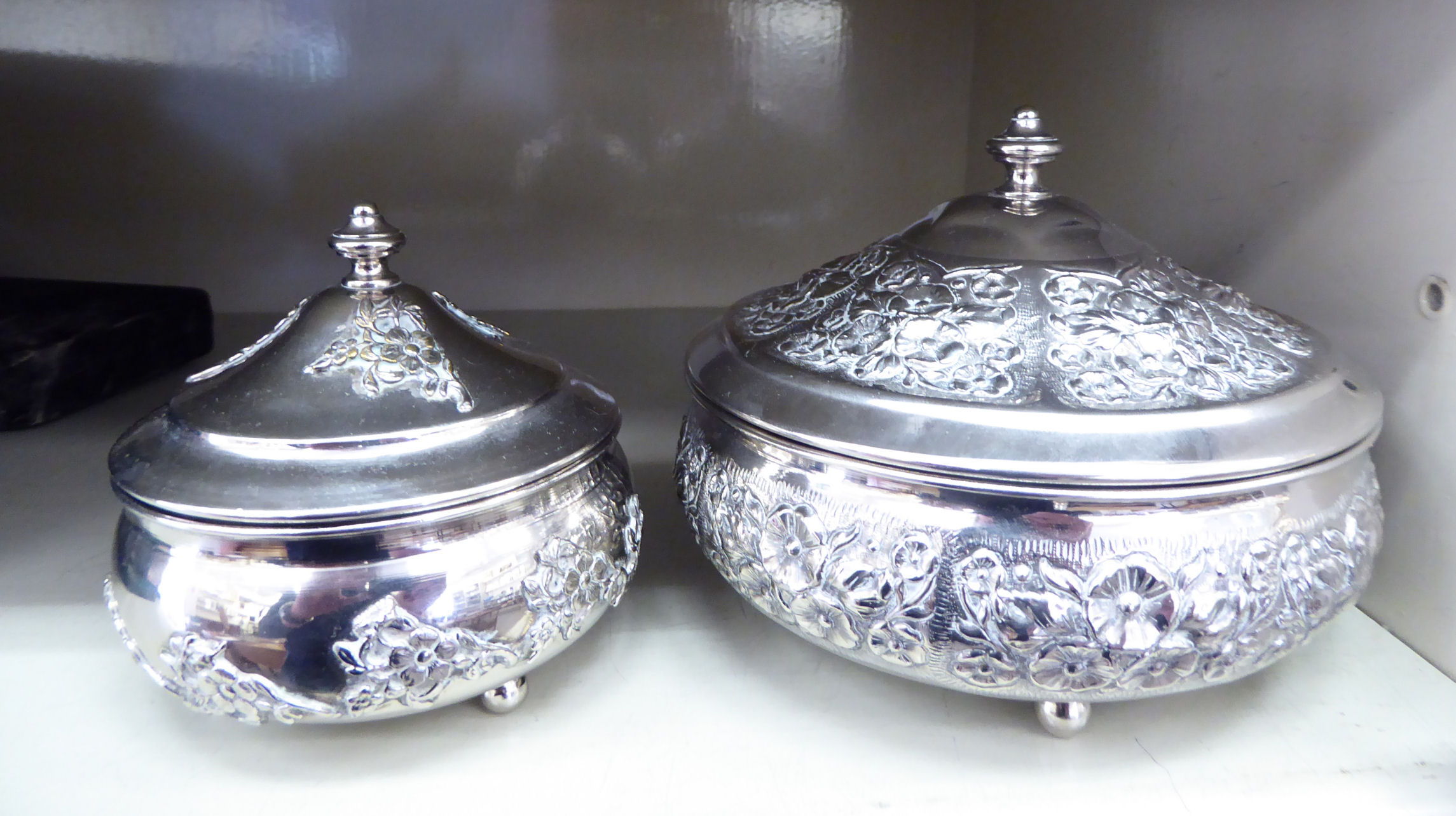 Lot 12 - Commemorative ceramics: to include a Queen Anne bone china trio OS3