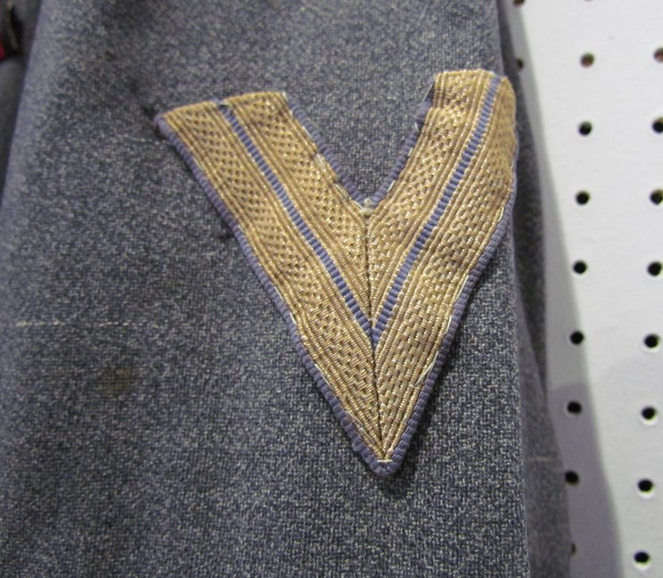 Lot 8050 - A Third Reich era German Luftwaffe blouse with Feldwebel rank (Flying) insignia to collar,