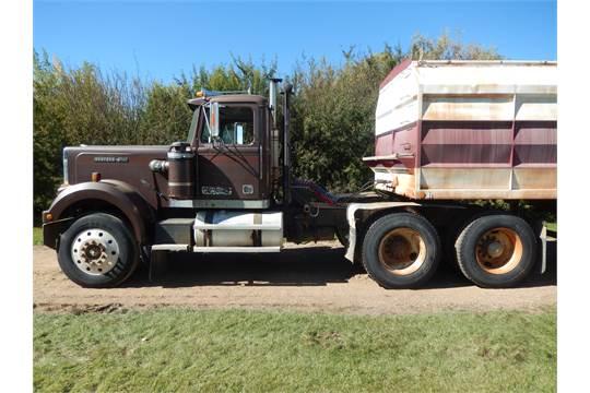 1985 Western Star highway tractor, 3406 Cat 325 hp motor, 11R-24 5