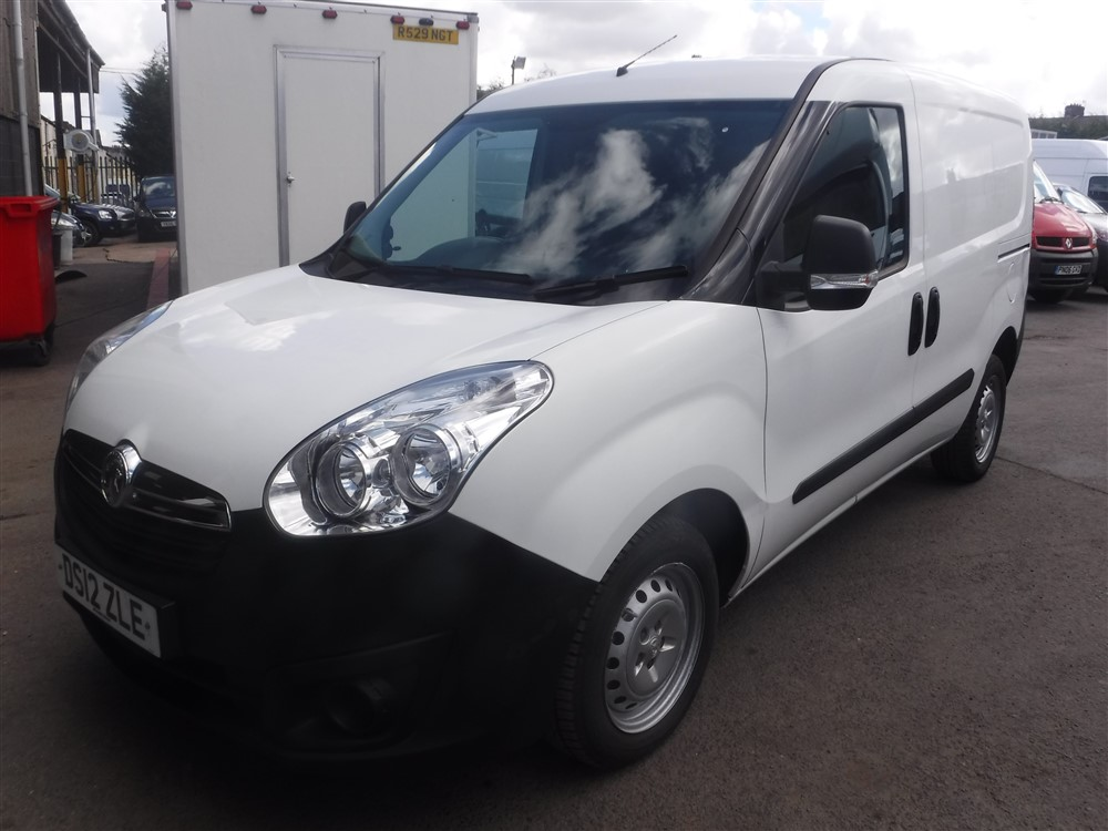 12 reg vauxhall combo 2000 cdti van 1st reg 06 12 test. Black Bedroom Furniture Sets. Home Design Ideas