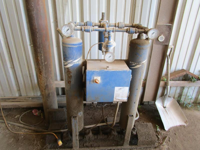 Lot 17 - Quincy Air Compressor, 19985 hours, m: QMBFACA32C SN:82308 w/ Great Lakes Regenerative Air Dryer
