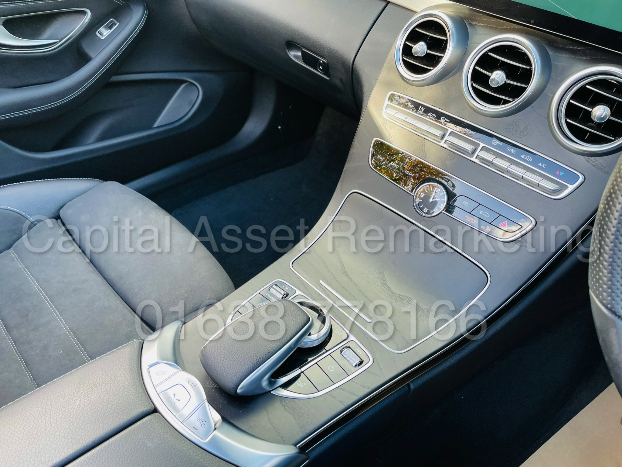 (On Sale) MERCEDES-BENZ C220D *AMG LINE -CABRIOLET* (2019) '9G AUTO - LEATHER - SAT NAV' *HUGE SPEC* - Image 39 of 43
