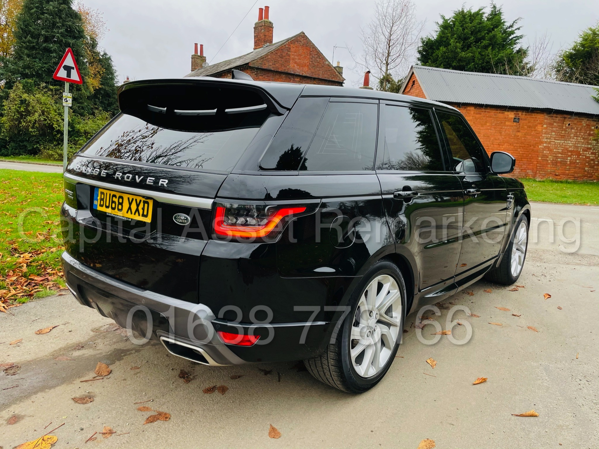 RANGE ROVER SPORT *HSE EDITION* SUV (2019 MODEL) '3.0 SDV6 - 306 BHP - 8 SPEED AUTO' *FULLY LOADED* - Image 12 of 56
