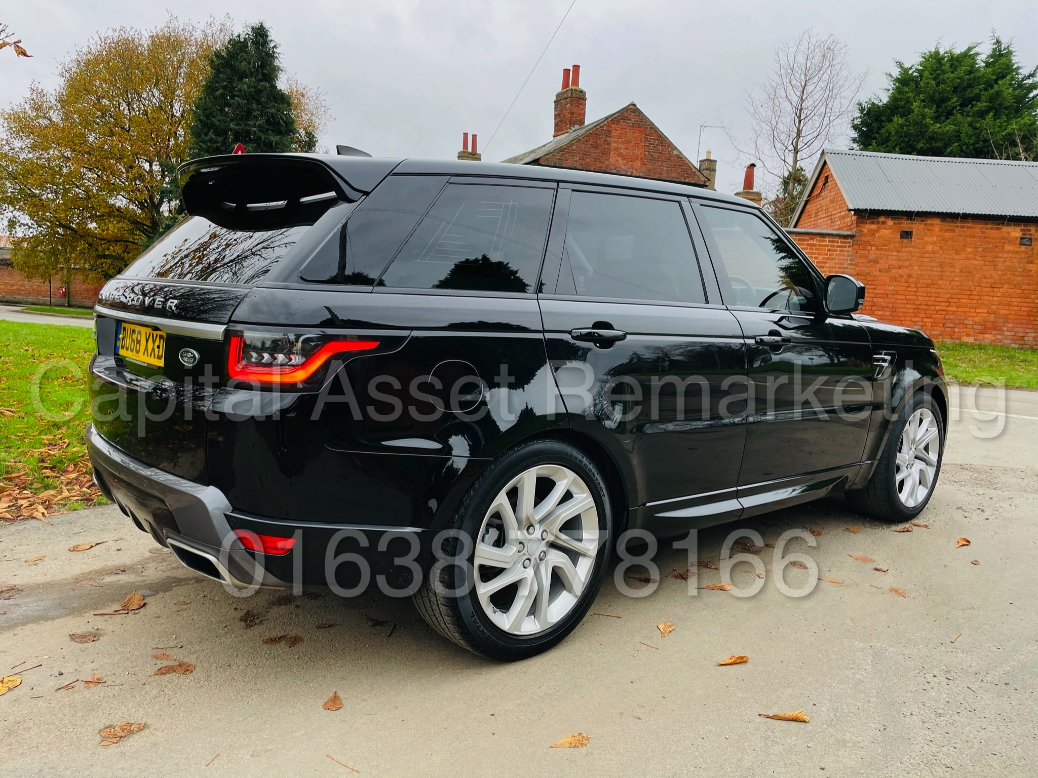 RANGE ROVER SPORT *HSE EDITION* SUV (2019 MODEL) '3.0 SDV6 - 306 BHP - 8 SPEED AUTO' *FULLY LOADED* - Image 13 of 56