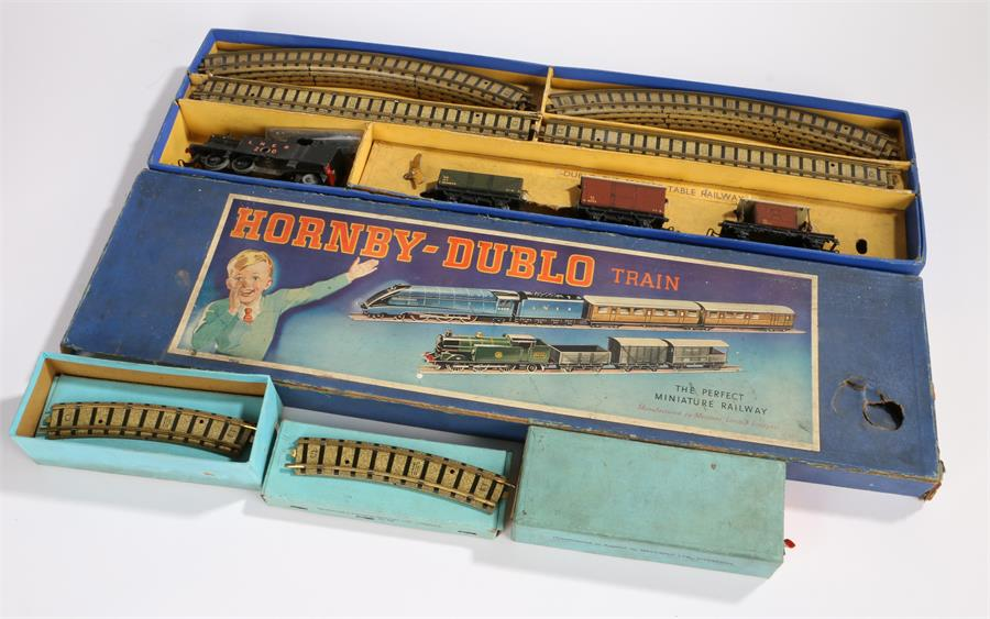 Lot 42 - Hornby Dublo DG7 tank goods train set comprising engine, three wagons and a quantity of track,