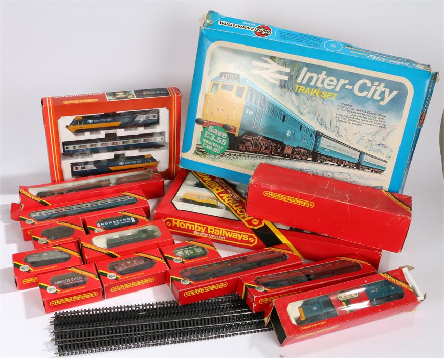 Lot 12 - Collection of Hornby OO gauge model railway to include Duchess of Sutherland 6233 with LMS tender,