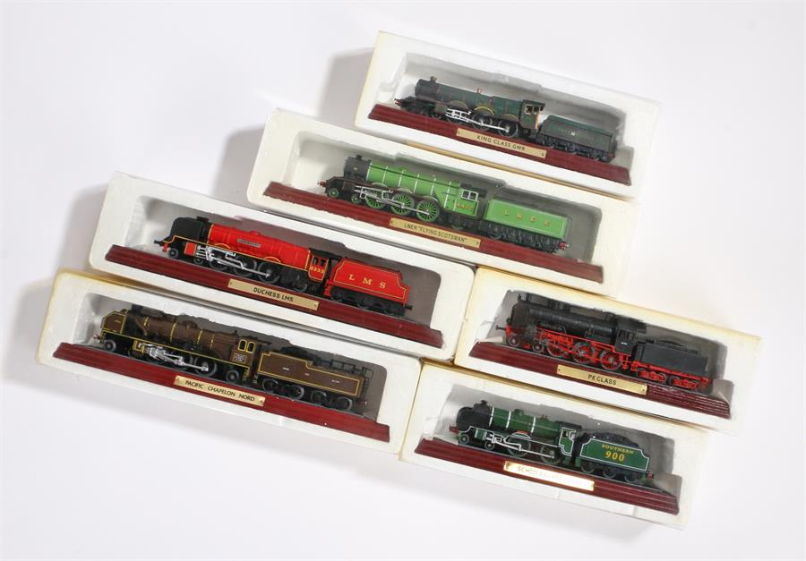 """Lot 18 - Six model steam engines on wooden presentation bases, to include LNER """"Flying Scotsman"""", Schools"""