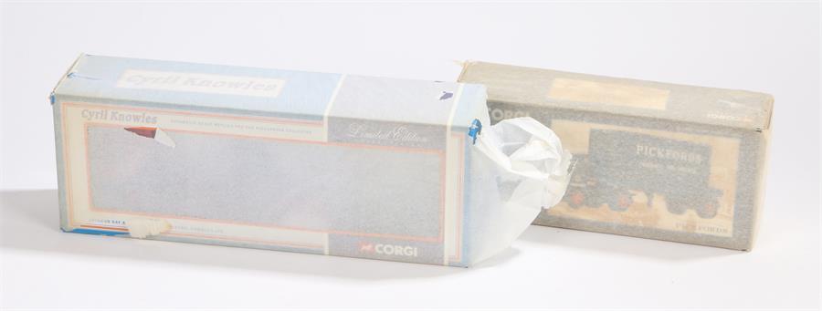 Lot 55 - Corgi Classics 30501 Pickfords Thames Trader Platform Trailer & Container, Corgi 75901 Leyland Daf