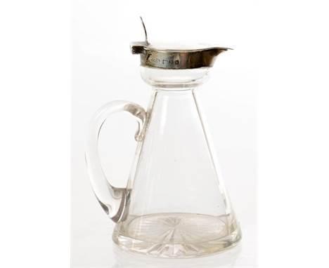 AN EDWARD VII SILVER MOUNTED GLASS WHISKY NOGGIN, 10CM H, BY ASPREY LIMITED LONDON, 1905