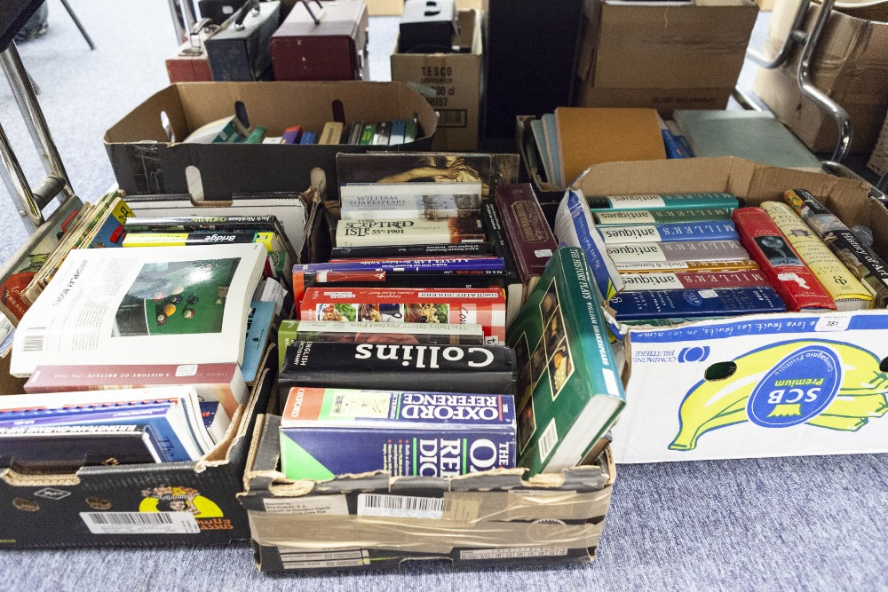 Lot 381 - BOOKS - VARIOUS AUTHORS SUNDRY WORKS, TO INCLUDE; INSTRUCTION MANUALS FOR AIR FORCE - FIRE SERVICE