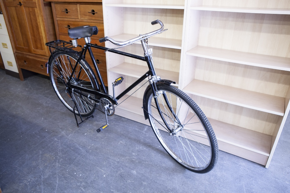 Lot 36 - AN AVON BICYCLE