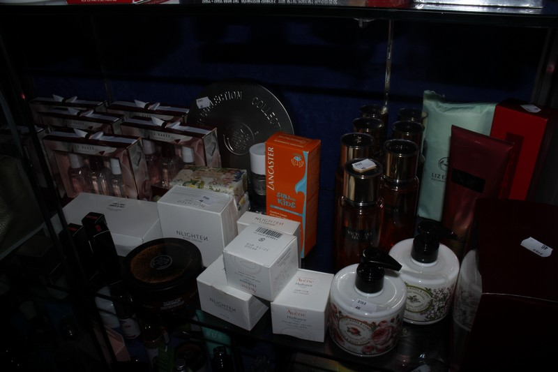 Lot 7 - A quantity of beauty products to include Victoria's Secret fragrance mist, Ted Baker fragrance