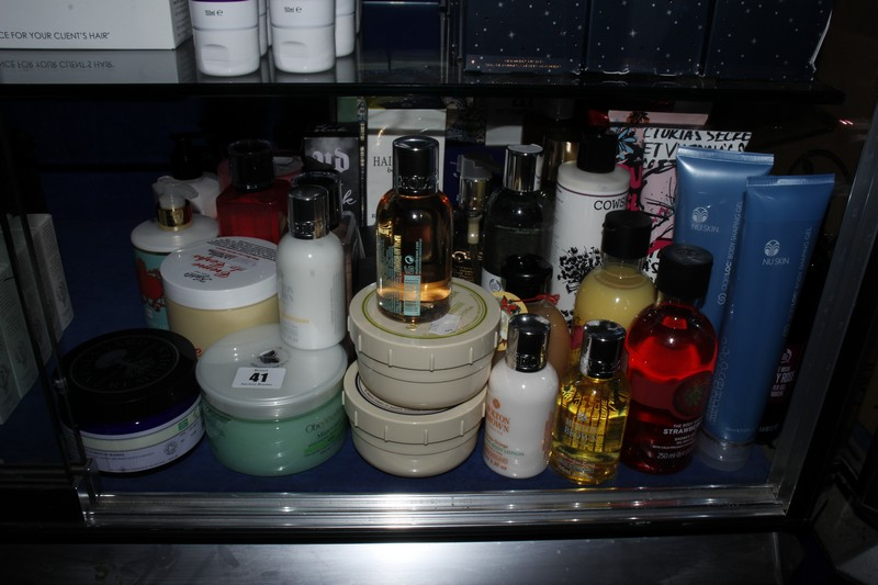 Lot 41 - A quantity of as new toiletries to include Jo Malone, The Body Shop, Victoria Secrets, Buckingham