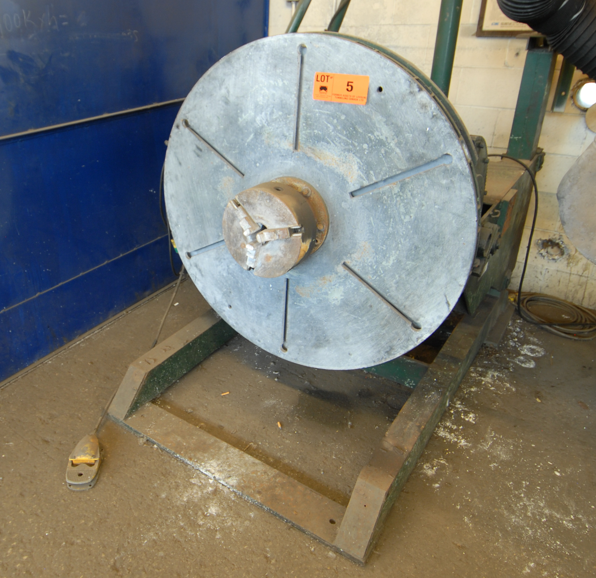 """Lot 5 - LOVAT ROTATING WELDING POSITIONER WITH LEESON SPEED MASTER VARIABLE SPEED CONTROL, 12"""" 3-JAW"""